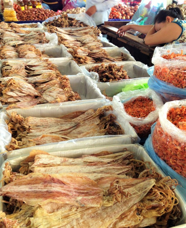 Marché à Vientiane